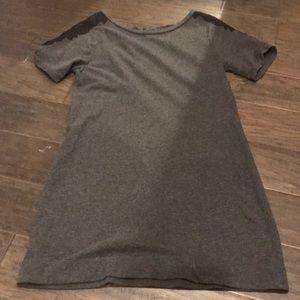 Grey loft dress with lace sleeve